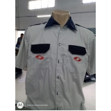 camisa social uniforme bordada